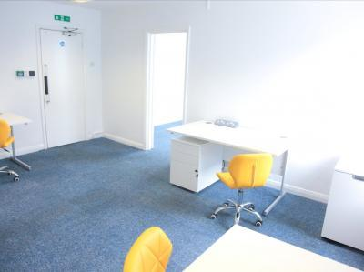 1e63a50eade09259b0b9f21eb03f23ed IncuHive | Office Space Rental Low Cost Start-Up |