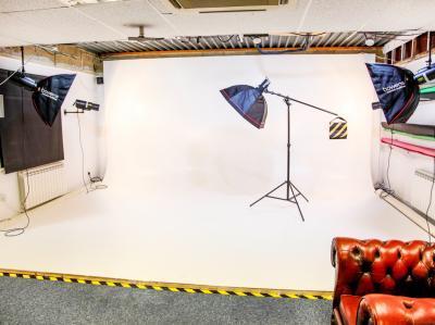5720f08bf4aa7cc93c115ec0a5d48e92 IncuHive | Professional Photo/Video Studios to Hire |