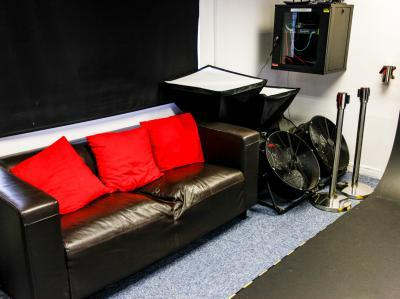 6ce88cced9d42f795e0bca9a80d109db IncuHive | Professional Photo/Video Studios to Hire |