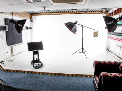 a47ae72028f5e69edf3a74cde22842ca IncuHive | Professional Photo/Video Studios to Hire |