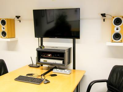 b0fd8cf4448f93654d11722a3cfa18a6 IncuHive | IP Meeting Rooms Video/Audio Recording  |