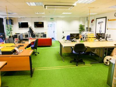 c9d3da25d6d7d3de04873d0f8e6d1d37 IncuHive | Co-Working Desk Spaces Rental Services |