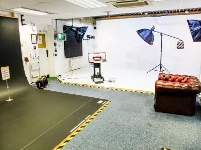 e453e8cb4c2d1ef636e731967d60f428 IncuHive | Professional Photo/Video Studios to Hire |