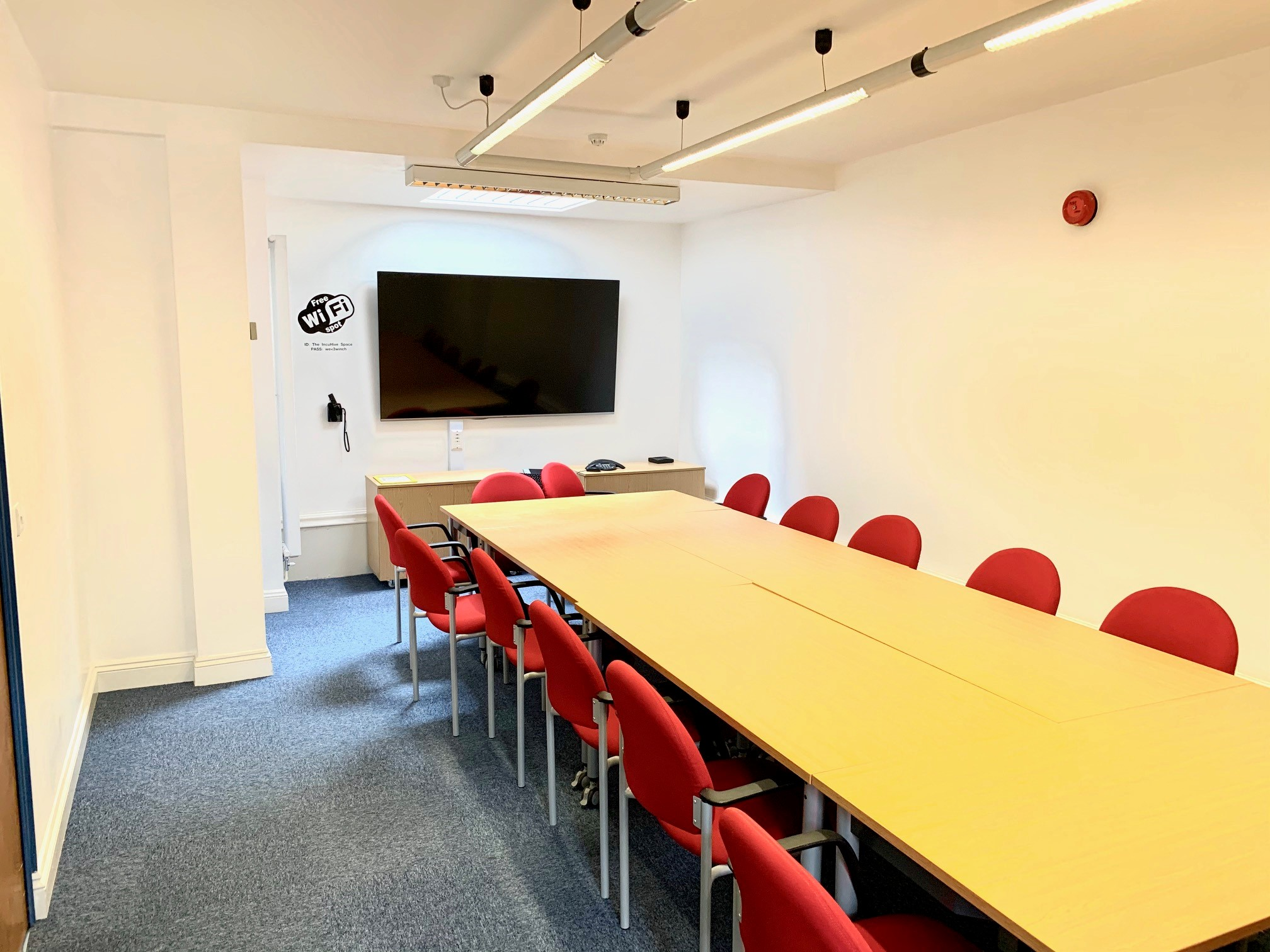 IncuHive Meeting Room - Winchester