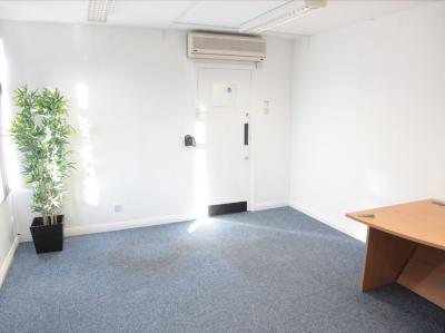 29ce140a28c7e8e90bc096f0d136958e IncuHive | Office Space Rental Low Cost Start-Up |