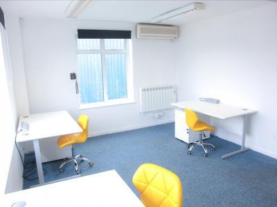 78702d06c1ad4631f85862e8b15de3c0 IncuHive | Office Space Rental Low Cost Start-Up |