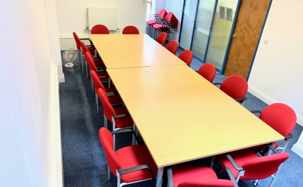 copy141593530788WinchBoardroom3 Winchester Dedicated Desk Space